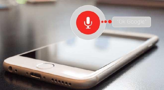 Как изменить голос Google Ассистента