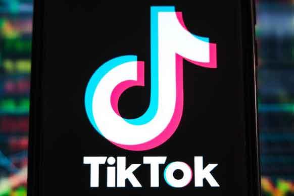 Как вырезать в TikTok и добавлять видео других пользователей к себе
