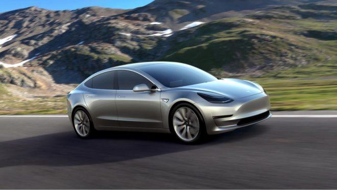 Автомобили Tesla скоро смогут разговаривать с пешеходами … и пукать