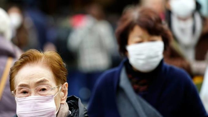 Эпидемия в Китае: полезны ли медицинские маски против коронавируса?