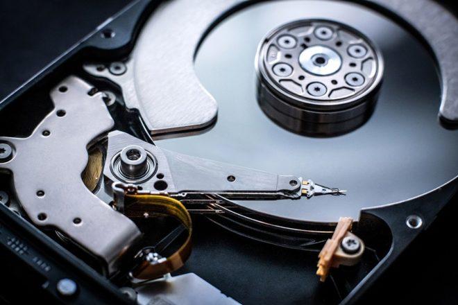 В чем разница между SSD и HDD?